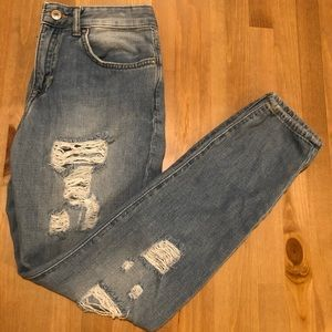 Light destroyed boyfriend jeans
